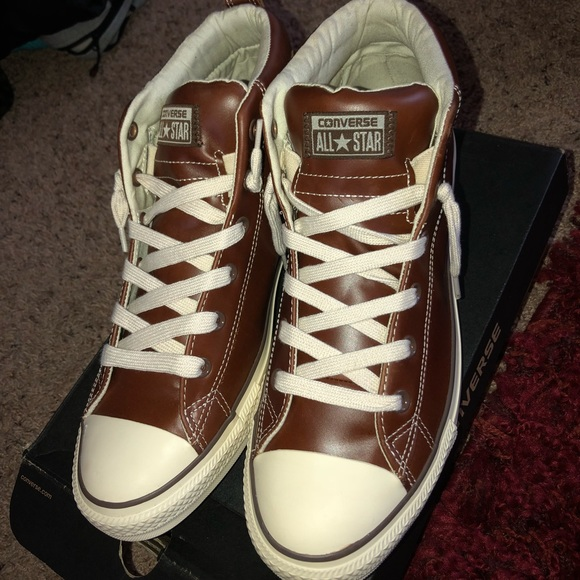 59a036e4d01b32 Pinecone leather chucks sz 11